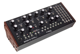 Moog Mother-32 polu-modularni analogni synthesizer